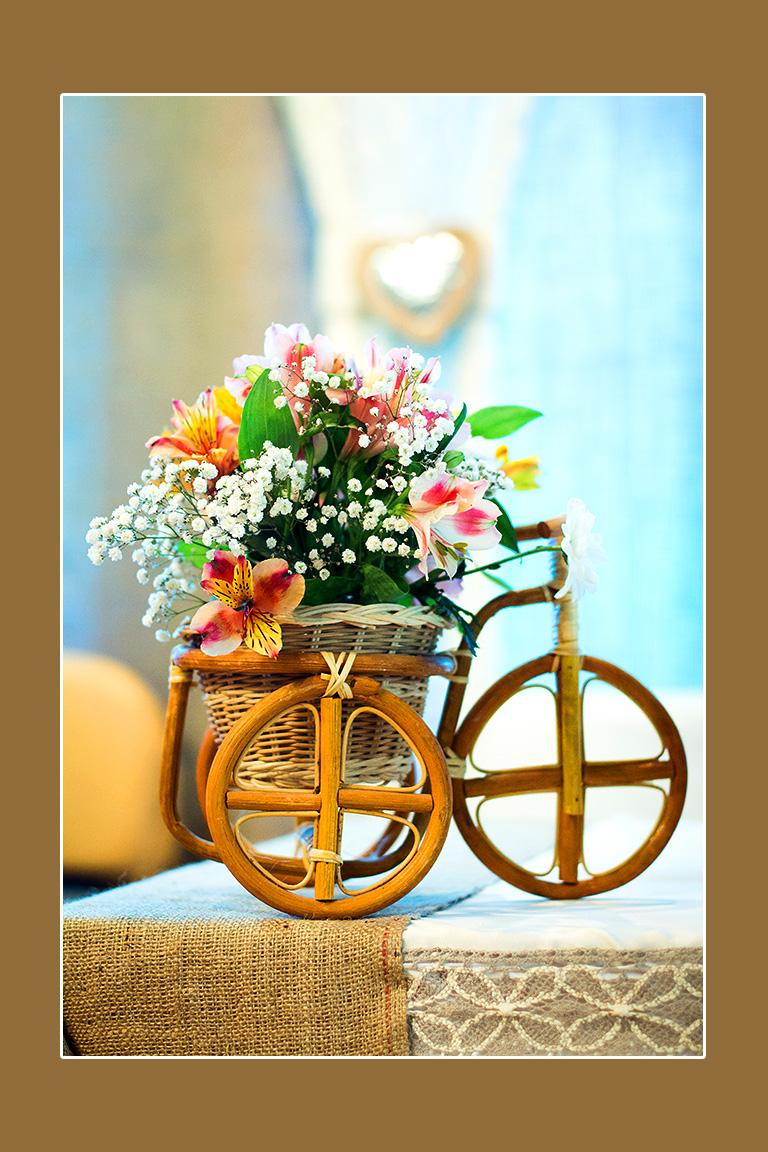 Blumen im Korb - Blumenschmuck Hochzeitstisch
