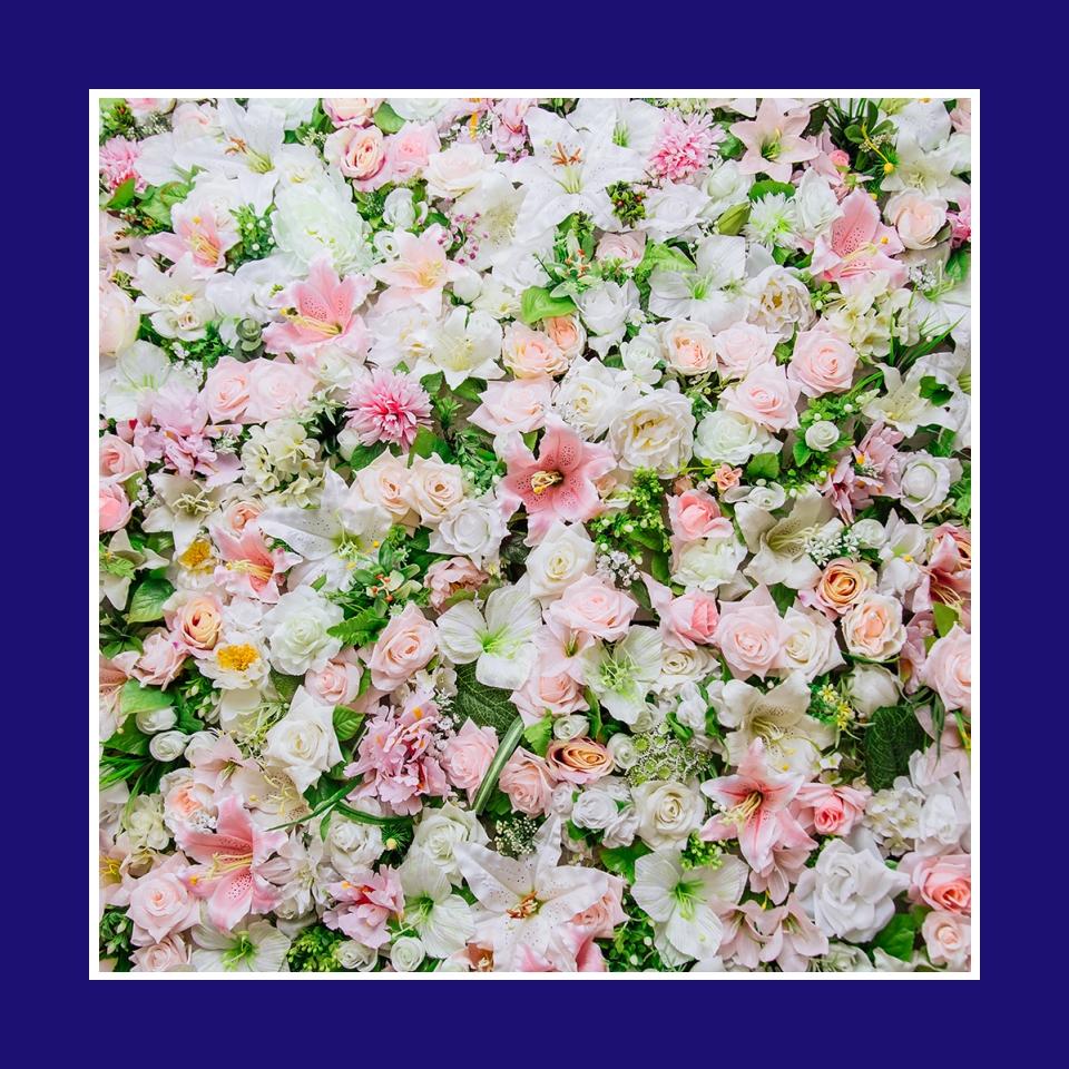 Brauttisch Hintergarund Hochzeit mit Blumen dekorieren